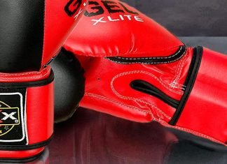 what size gloves do boxers use